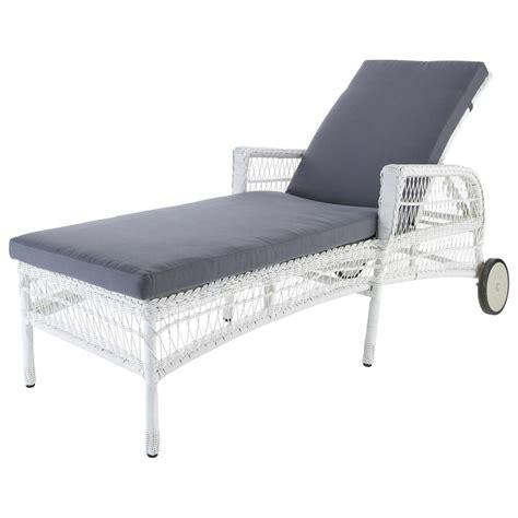chaise longue resine tressee chaise longue en résine tressée blanche l 200 cm emily
