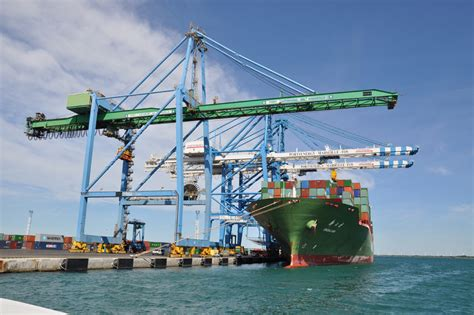un 233 t 233 en forte hausse pour le port de marseille fos