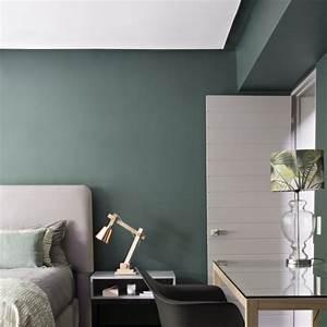 couleur chambres une chambre esprit atelier chic murs With incroyable papier peint couleur taupe 11 chambre fille vert pastel