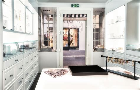 decorateur interieur aix en provence agencement d une boutique bijouterie quot ajoy quot 224 aix en provence