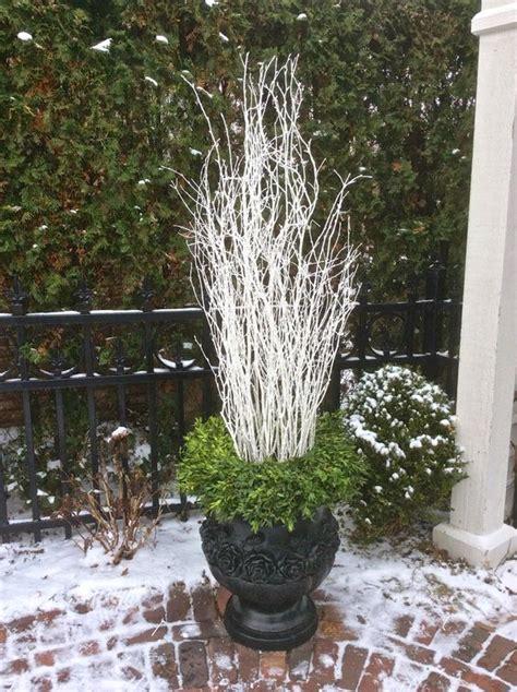 idea  winter container potsadd  wreath  top