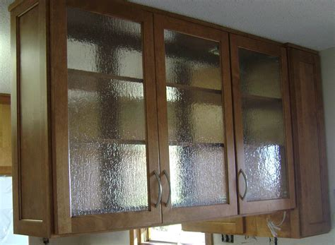 Glass Upper Cabinet ? HealthyCabinetmakers.com