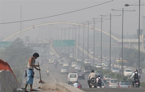 India Severe Warning Issued For Pollution Levels In Delhi