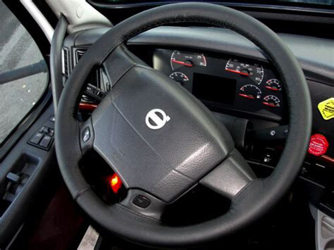 volvo truck vnl    black italian leather