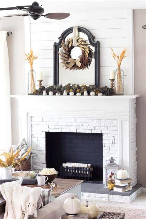 How To Design A Fireplace Mantel - 30 amazing fall decorating ideas for your fireplace mantel
