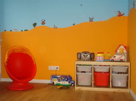 chambre peinture taupe besoin d 39 idées pour chambre de bébé