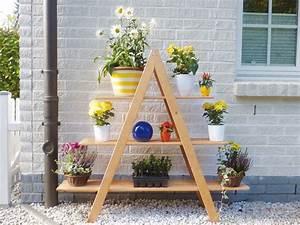 Blumenregal Selber Bauen : holz blumentreppe promadino blumenregal dekotreppe dreieck vom garten fachh ndler ~ Orissabook.com Haus und Dekorationen
