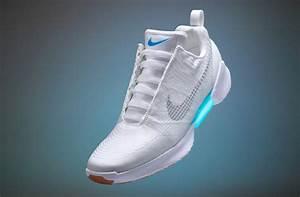 """Nike Unveils """"Adaptive Laces"""" - Delabuzz"""