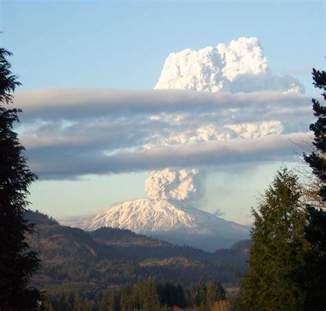 mount st helens eruption 1980 pics