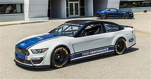 Ford unveils its first Mustang NASCAR Cup car - Roadshow