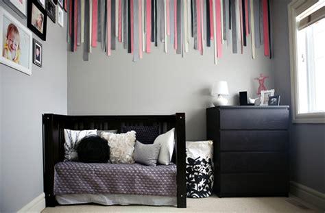 chambre gris foncé chambre bebe fille mur gris fonce