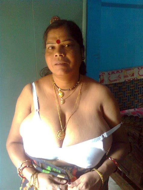 Indian Sexy Naked Bra Fat Aunties Very Fat Big Boobs Women