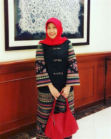 1000 ideas about baju kurung on kebaya