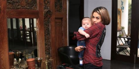 Nikita Mirzani Penjara Suami Inginkan Hak Asuh Anak