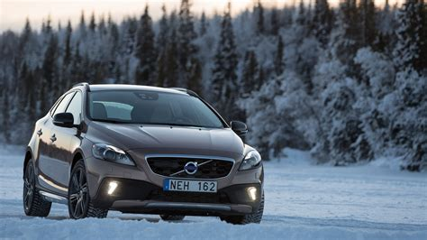Volvo V40 Cross Country Backgrounds by 20 Volvo V40 Wallpapers Pictures And Images For Desktop