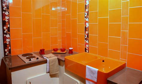 peinture cuisine jaune carrelage orange salle de bains cuisine faïence de