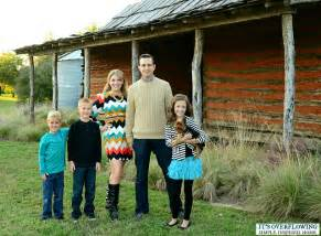 Christmas Family Portrait Clothing Ideas