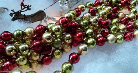 unusual vintage glass bead christmas tree garland