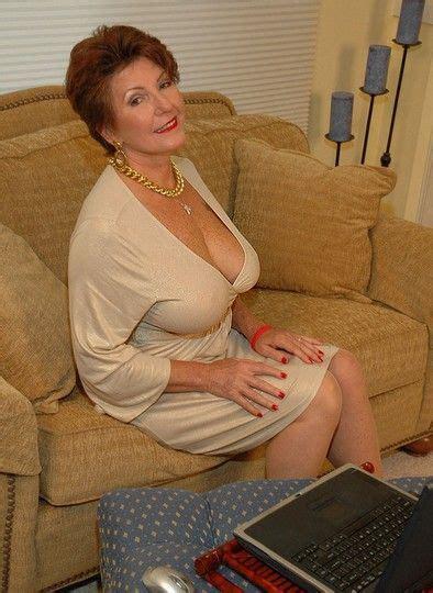 Busty Mature Bea Cummins Cleavage Beautiful Women