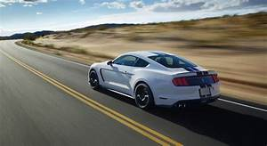 2015 Ford Mustang Shelby GT350 revealed: 5.2-litre flat-plane V8 to generate more than 370kW ...