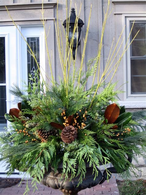 Outdoor Christmas Decorating Ideas Front Porch by Gorgeous Christmas Urns Omg Lifestyle Blog