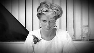 Christie Brinkley's Latest Gig: 'Chicago' Video - ABC News
