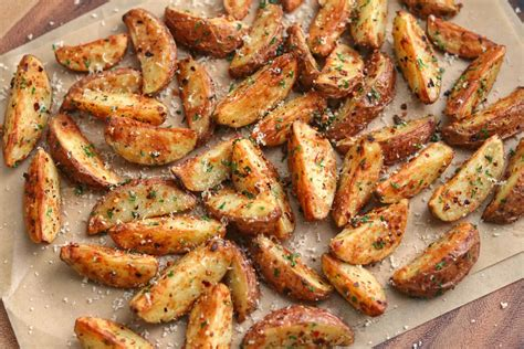 air fryer potatoes garlic parmesan