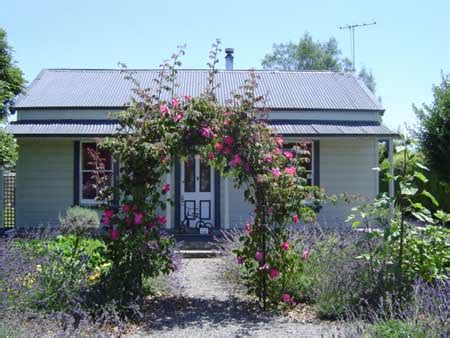 Greytown Nz Accommodation, Rexworthy Cottage And Kahikatea