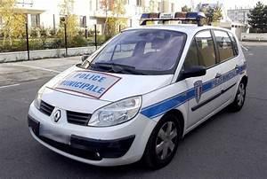 Vente Enchere Vehicule : v hicule police municipale voiture d 39 occasion aux ench res agorastore ~ Gottalentnigeria.com Avis de Voitures