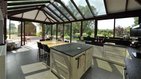 cuisine avec veranda cuisine 9m2 avec ilot comment bien choisir sa hotte