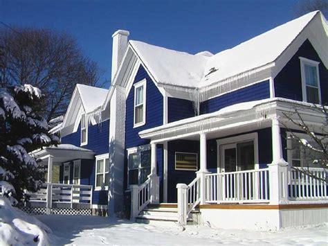 warna cat rumah bagian luar  bagus trend  putih