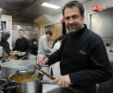 la cuisine de michel michel sarran va cuisiner les candidats de top chef 04