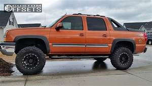 Wheel Offset 2005 Chevrolet Avalanche 1500 Aggressive 1