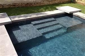 stunning liner noir piscine ideas design trends 2017 With piscine avec liner gris clair 4 structure escalier et couleur de leau de votre piscine