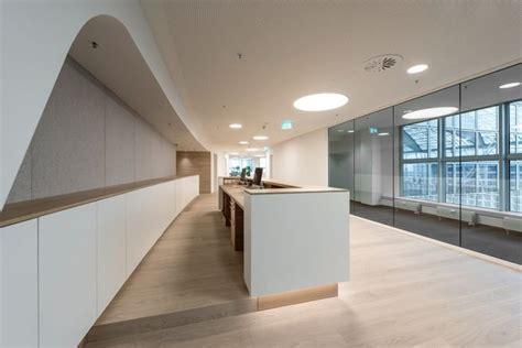 Moderne Arztpraxis by Mhp Architekten Innenarchitekten M 252 Nchen Portfolio