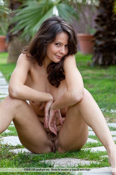 Euro Babes Db Sexy Natural Tits Italian Girl