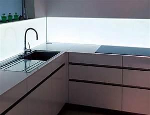 Küchenrückwand Glas Beleuchtet : die besten 25 k chenr ckwand glas ideen auf pinterest k che spritzschutz glas k che r ckwand ~ Frokenaadalensverden.com Haus und Dekorationen
