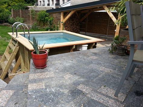 piscine carree en bois