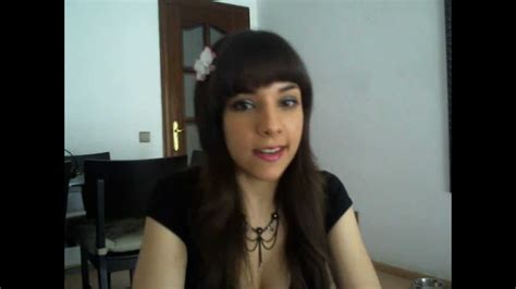 Outfit Con Falda Tacones Y Medias Color Piel Youtube
