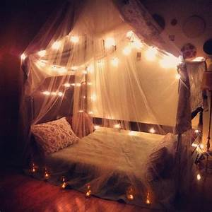 14 ways to decorate your bedroom with fairy lights wave for Fairy lights in bedroom
