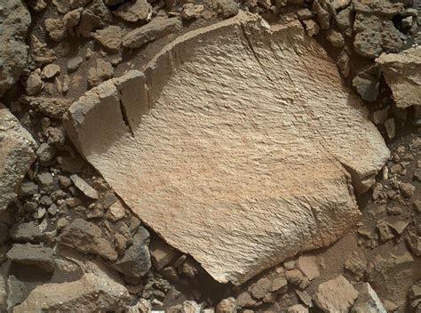 NASA's Curiosity rover does an about-face to reexamine ...