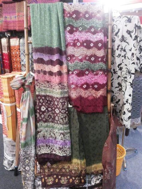 jumputan  palembang traditional textile indonesia