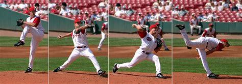 baseball pitchers   lift weights