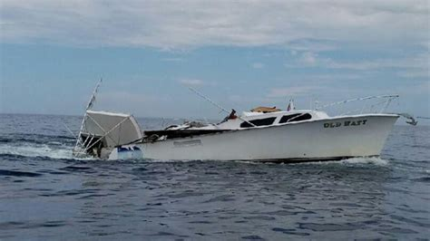 Boat Crash Miami by Boaters Rescued After Crash Ft Lauderdale 171 Cbs Miami