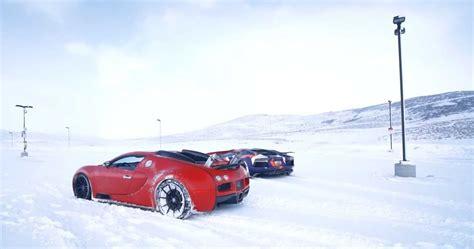 Δεν βρήκες αυτό που έψαχνες; Watch A Bugatti Veyron And Lambo Aventador Play In The Snow