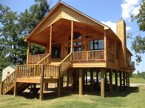 desain rumah anti banjir anti terendam genangan air hujan