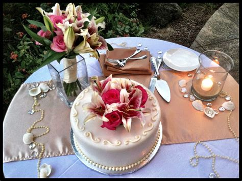 Maui Wedding Cake Table
