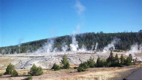 Heart Of Yellowstone National Park Discovery  Yankee Holidays