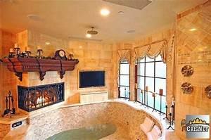 Drake house master bath o hip hop enquirer magazine llc for Drakes bathrooms