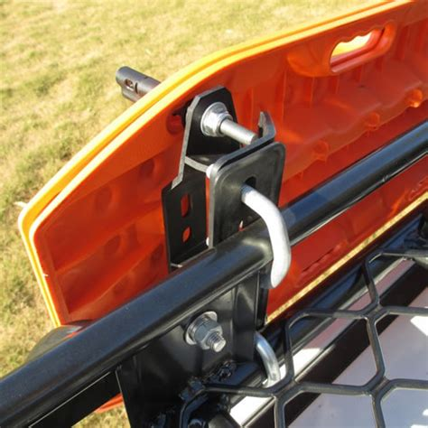 maxtrax mounting brackets  quick release pins